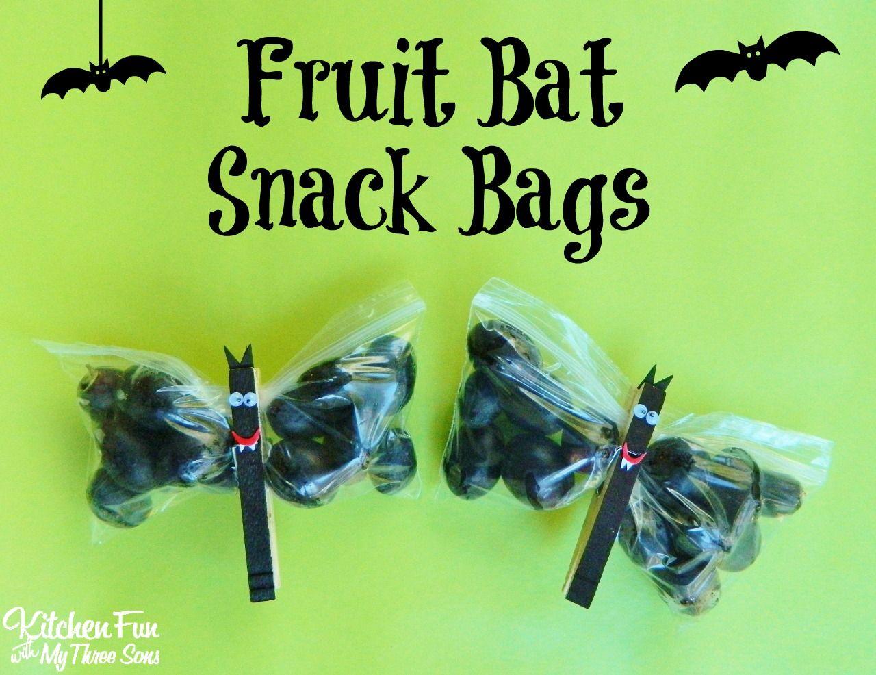 Halloween fruit bat snack bags halloween fruit snack for Easy fun halloween treats for school