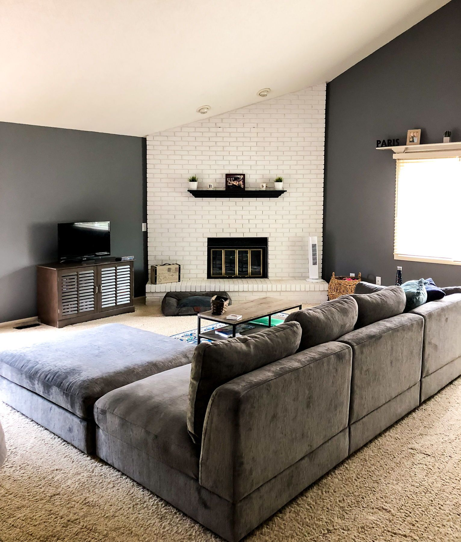 The Best Places To Buy Affordable Home Decor Modern Living Room