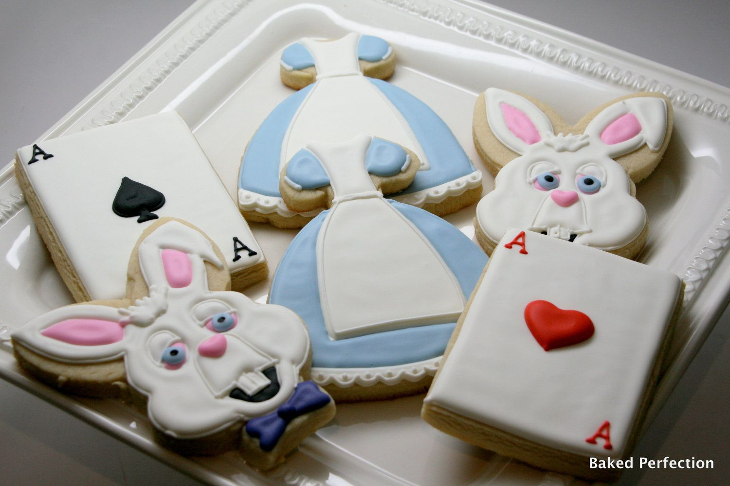 Alice in Wonderland Inspired Hand Decorated Cookies for Birthday ...