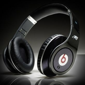 Artists And Producers Work Hard In The Studio Perfecting Their Sound But People Can T Really Hear It With Beats By Dre Headphones For Sale Monster Headphones