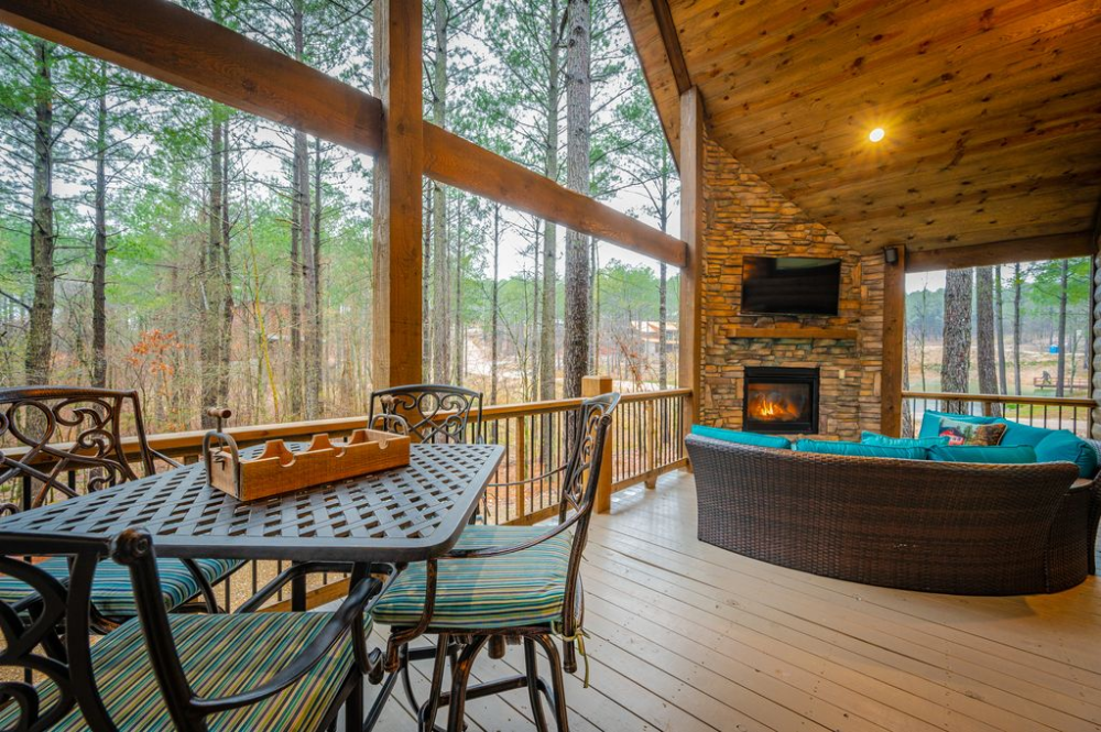 Brand New Snuggle Inn To Rustic Chic Luxury 1 Bedroom Cabin W All Amenities Broken Bow In 2020 Rustic Chic Cabin Rental Property