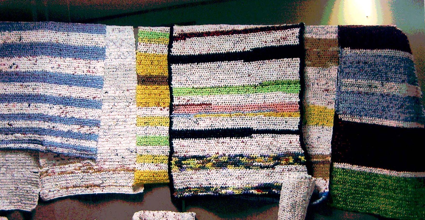 Diy Crochet Plastic Bags Into Sleeping Mats For The Homeless 1 Million Women Plastic Bag Crochet Diy Crochet Plastic Bags Plastic Grocery Bags