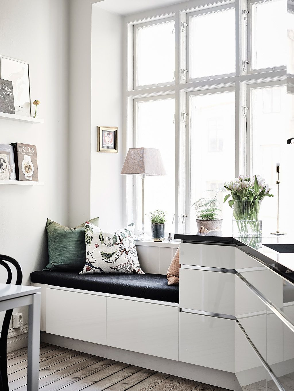 Window seat | Accommodation | Pinterest | Scandinavian interior ...