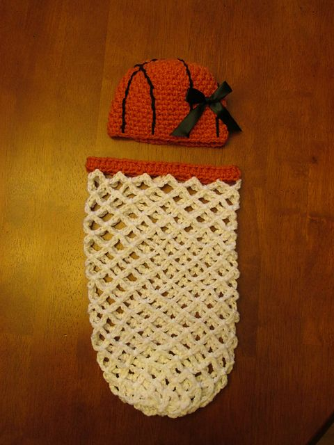 35+ Adorable Crochet and Knitted Baby Cocoon Patterns #crochetbabycocoon
