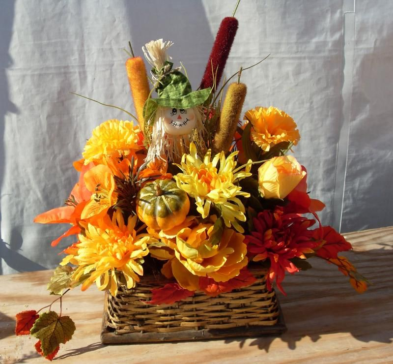Silk christmas flower arrangement ideas these beautiful autumn silk christmas flower arrangement ideas these beautiful autumn floral arrangements are perfect for dressing up mightylinksfo