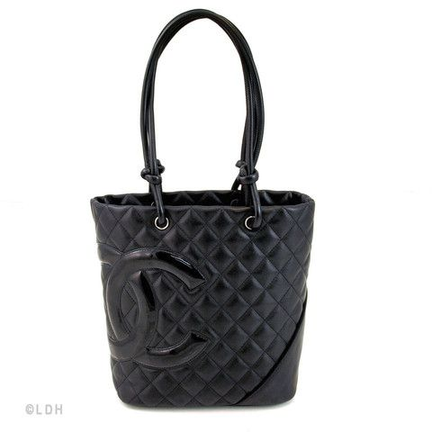 Enjoy a Unique Look with the Chanel Cambon Bucket
