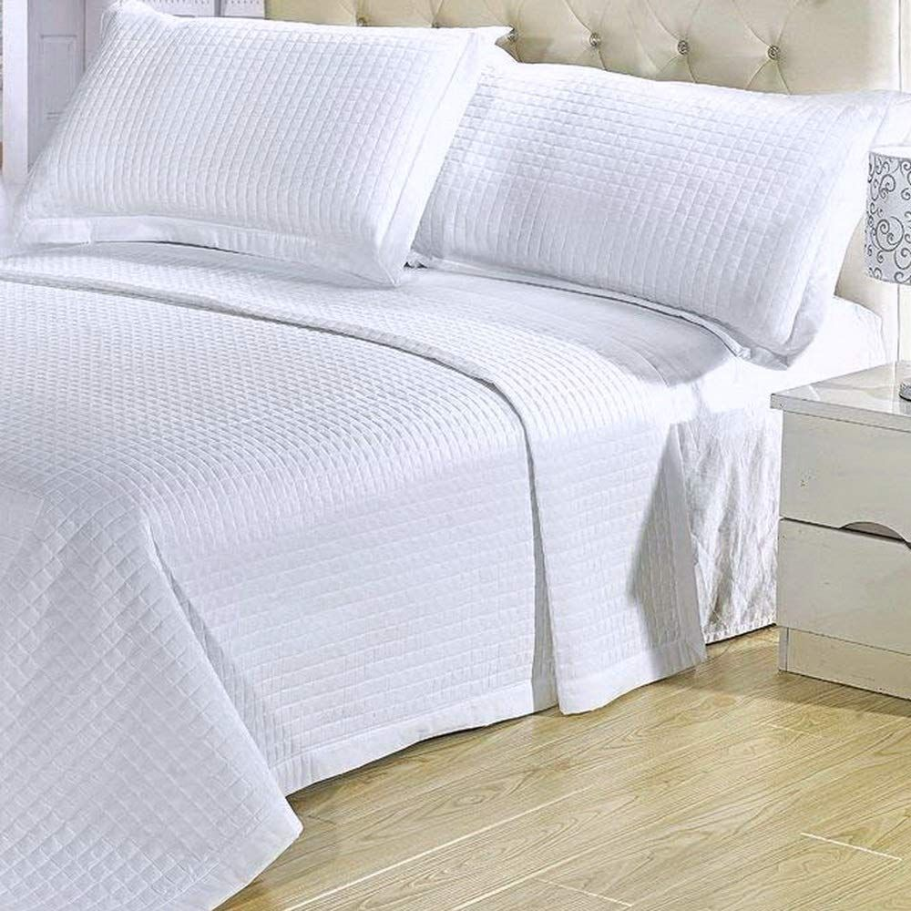 Modern Solid White Quilt Lightweight Reversible Coverlet Set King Cal King Size Click Image To R In 2020 Cal King Bedding Hotel Style Bedding Soft Comforter Bedding