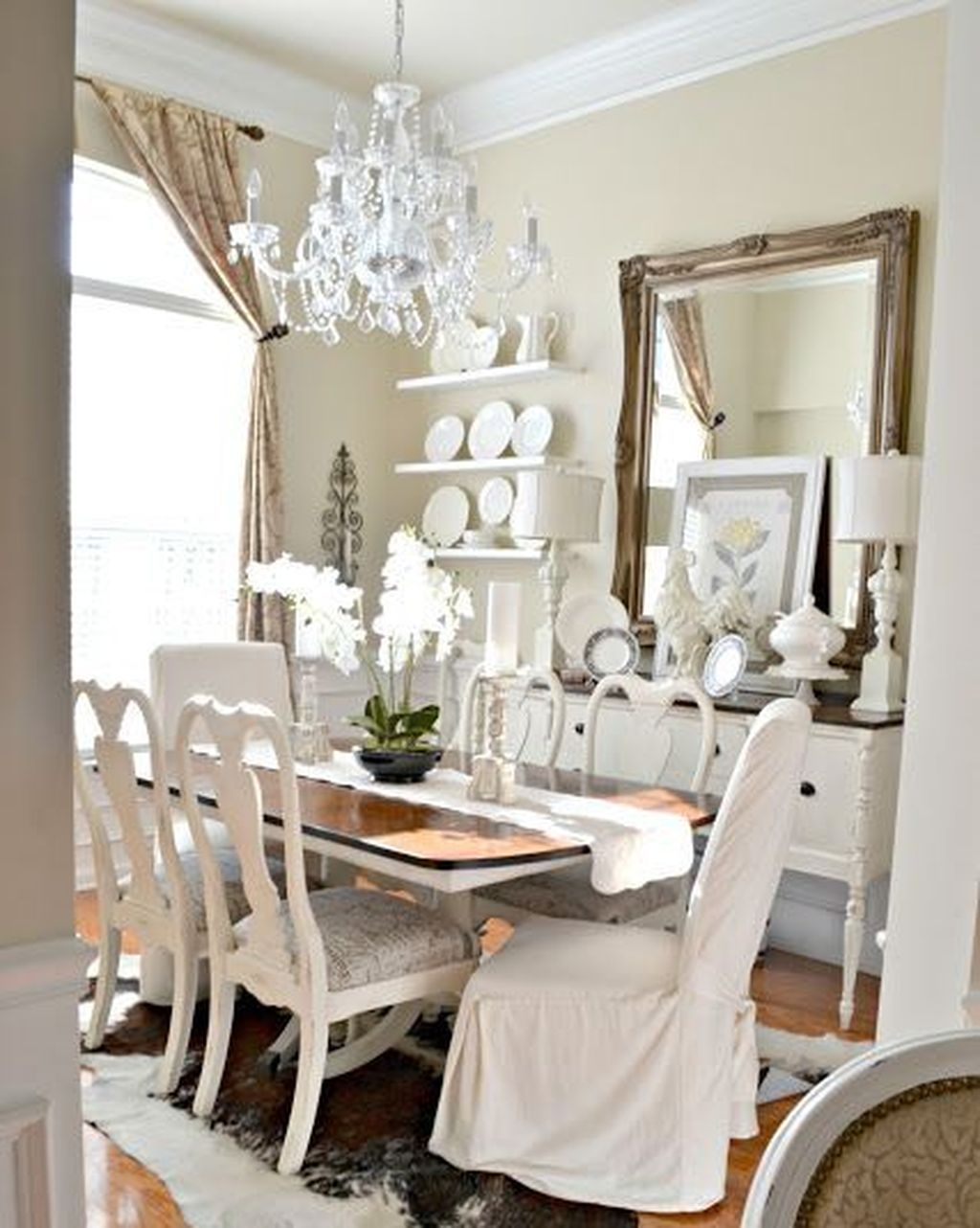 Cool 49 Stylish Large Decorative Mirrors Ideas For Dining Room Dining Room Table Decor Mirror Dining Room Beautiful Dining Rooms