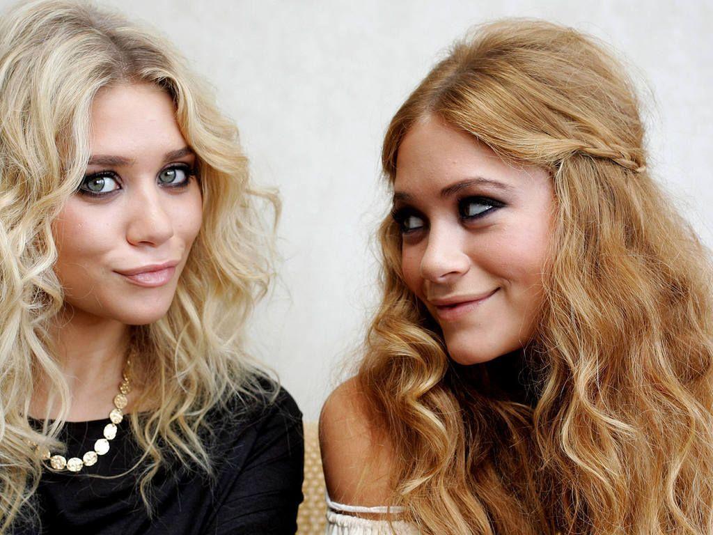 Mary Kate Ashley Olsen Wallpaper Olsen Twins Curly Hair Styles Hair Styles Hair