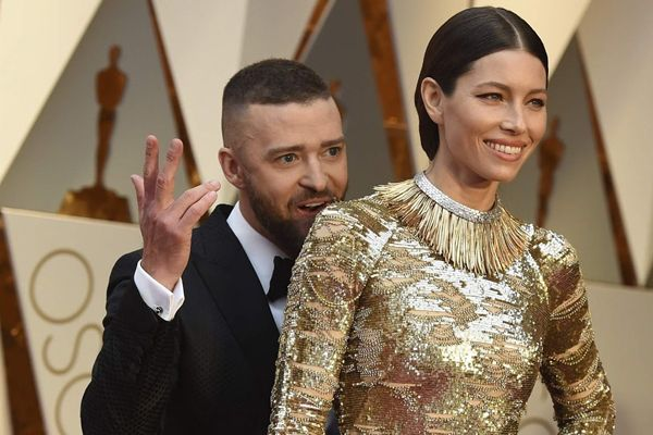 Jessica Biel and Justin Timberlake 2017   Hollywood Celebrity Couples That Gave Us Love Goals at the Oscars 2017 ...