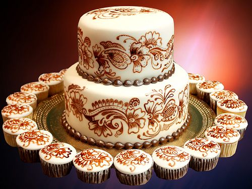 Mehndi Cushion Cake : Mehndi inspiration cakes cookies flickr foto friday henna