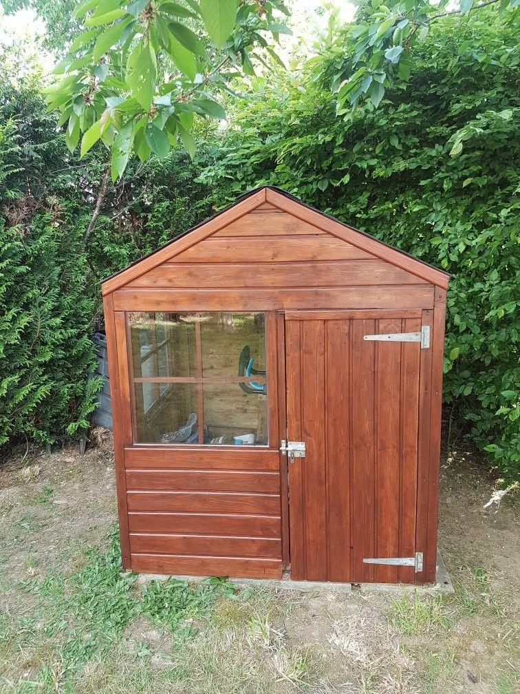 petite cabane de jardin