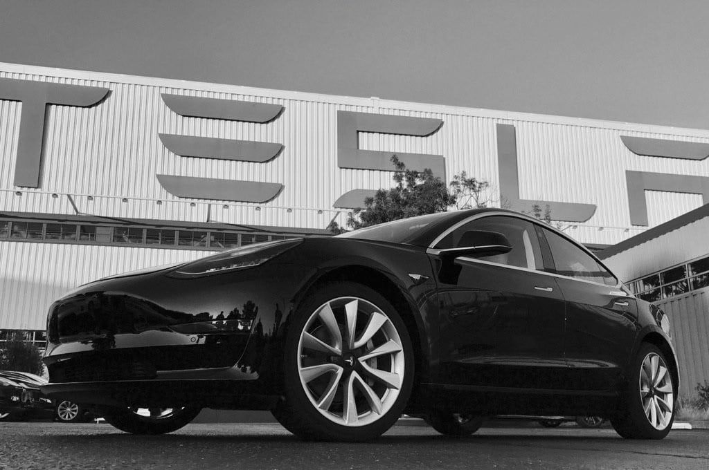 Tesla Model 3 Production On Track To Meet Quarterly Projections Tesla Model Tesla Elon Musk Tesla