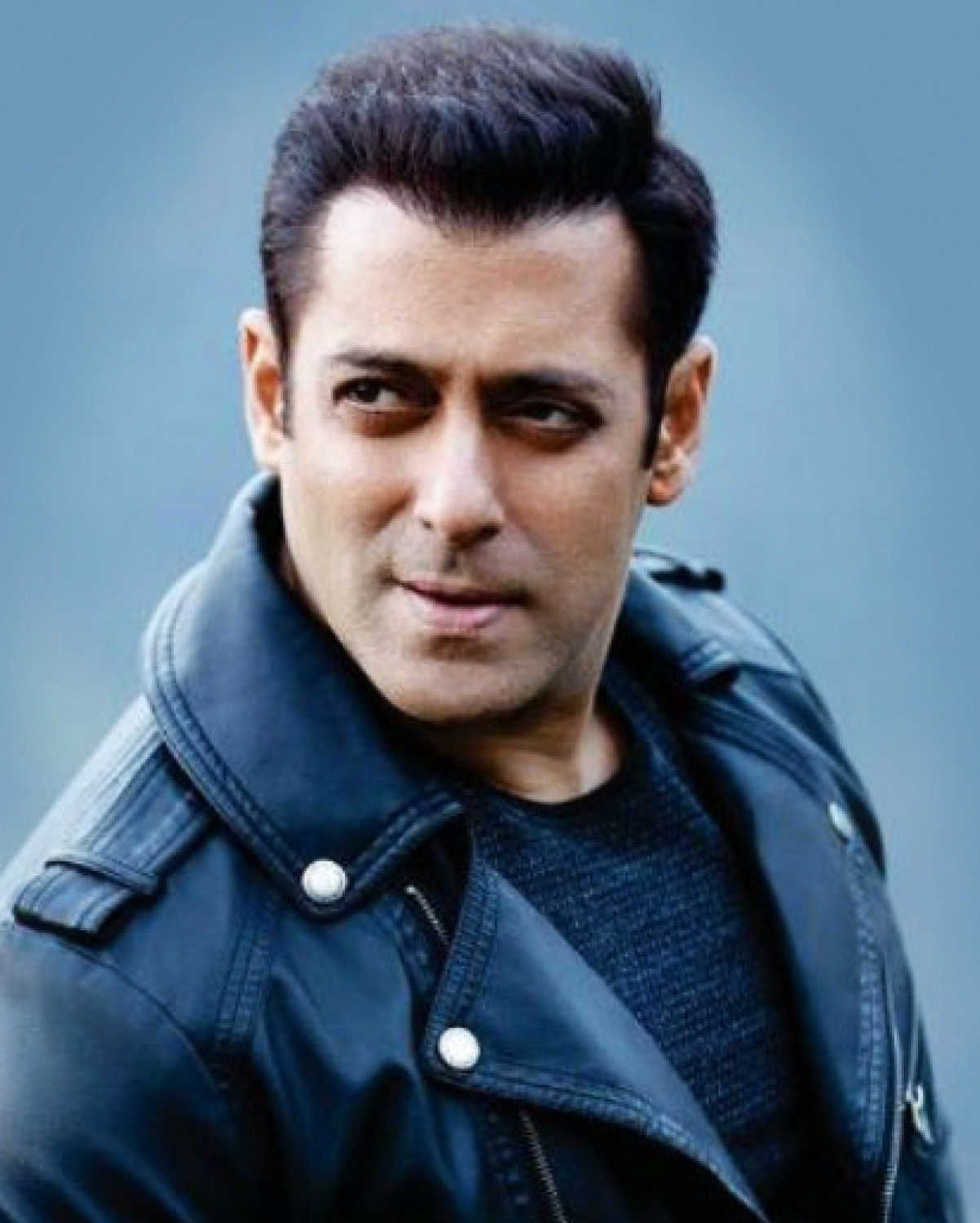 50 Best Evergreen Hairstyles For Men Recommended By Bollywood Stars In 2020 Salman Khan Salman Khan Photo Next Film