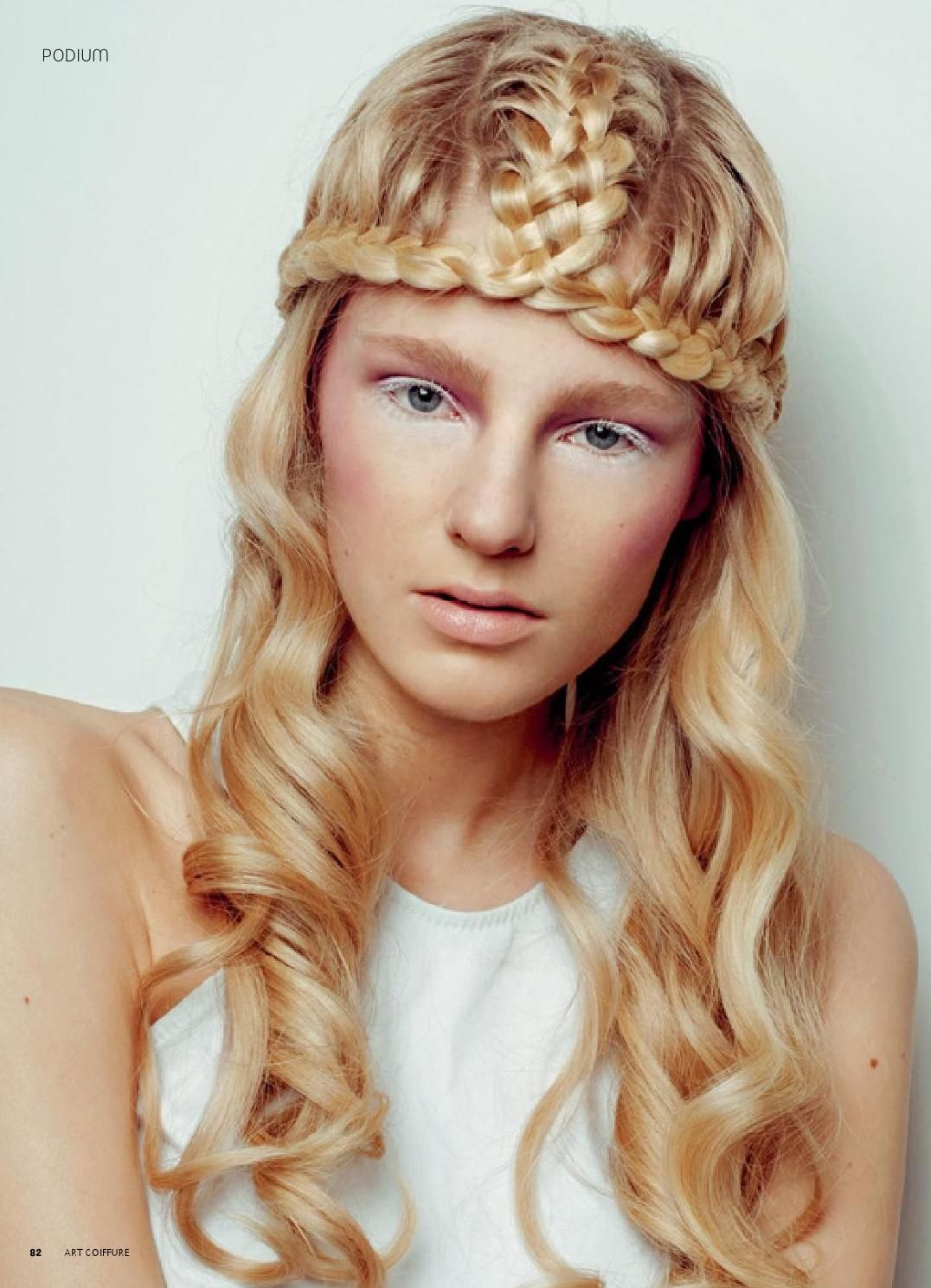 Art Coiffure Russia 8 Blonde Wavy Hair Cool Braid Hairstyles Medieval Hairstyles