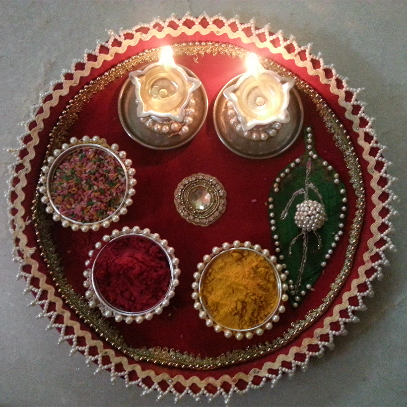 A beautiful handmade pooja thali fancygabe pinterest for Aarti thali decoration with pulses