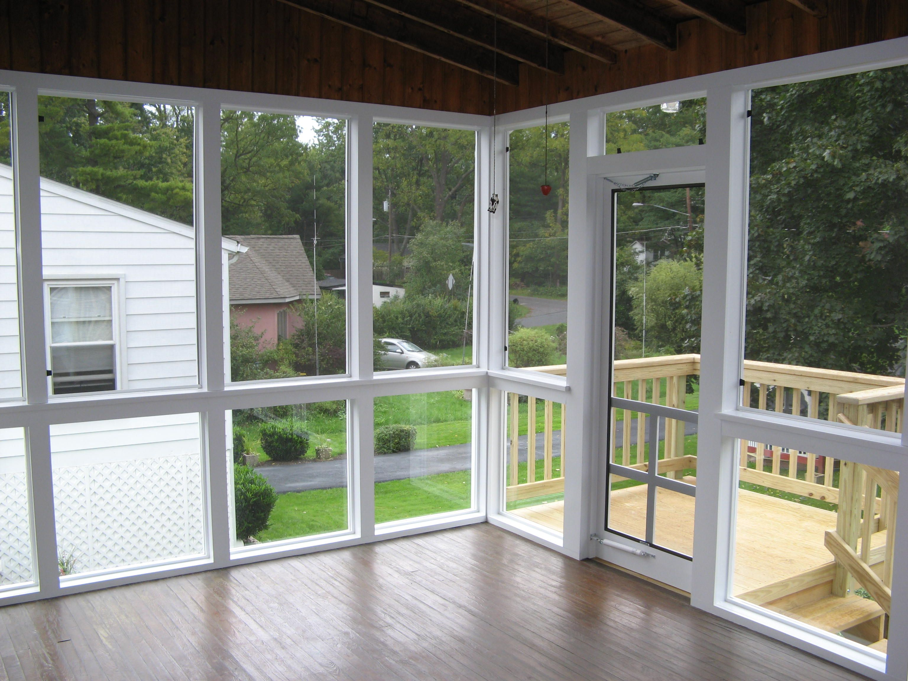 Screened Porch W Tempered Glass Panels On Lower Sections Screen Porch Panels Glass Porch Porch Windows
