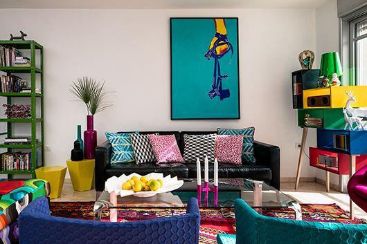 Casinha colorida: Retrô com bom humor e móveis coloridos