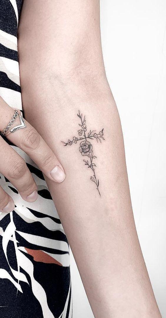 Tatuagens Religiosas: As Melhores Ideias De Design