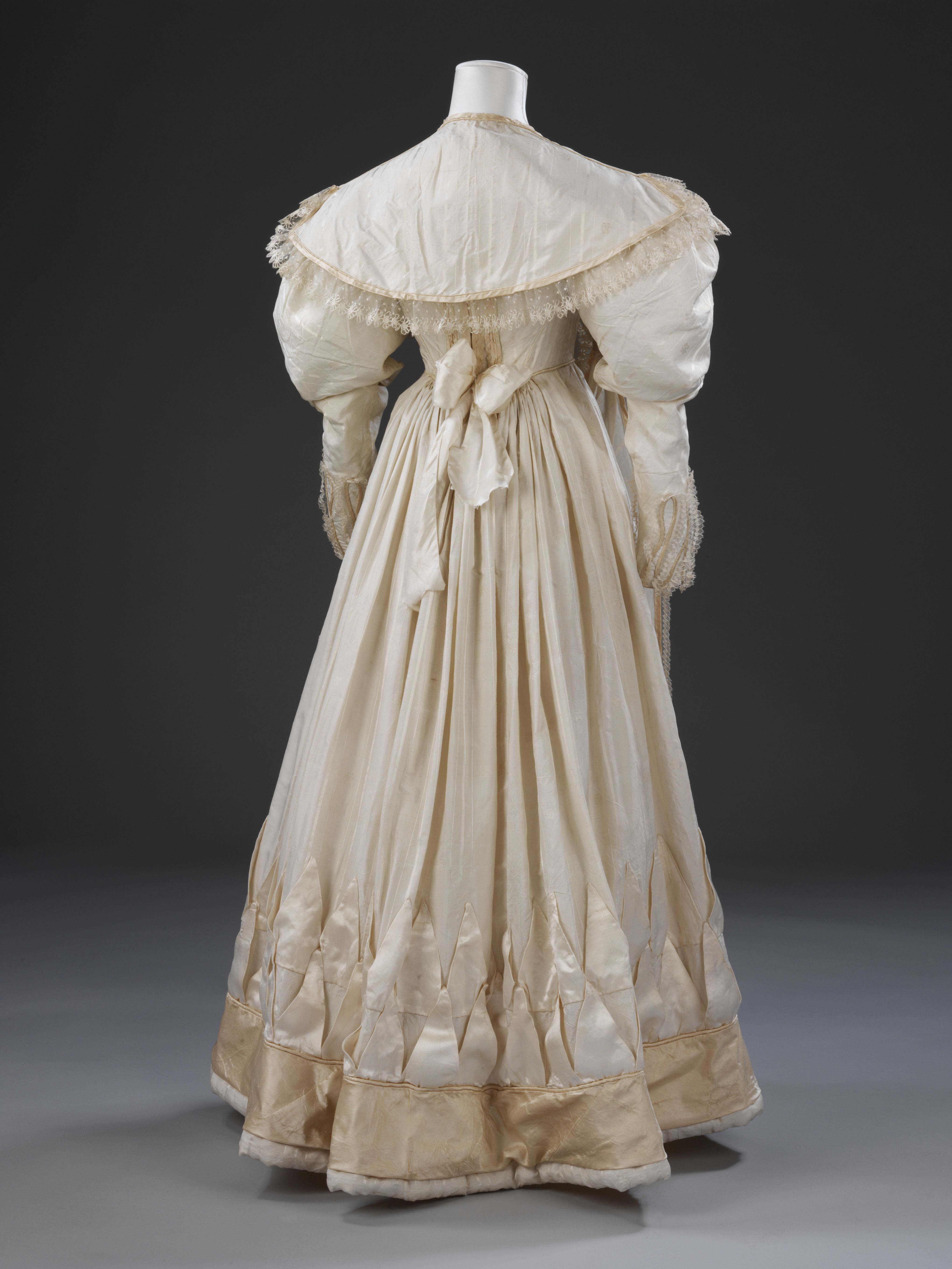 #Wedding dress worn by Eliza Larken for her marriage to William (later 6th Baron) Monson at St. Giles in the Fields Church, London,1828. l Victoria and Albert Museum