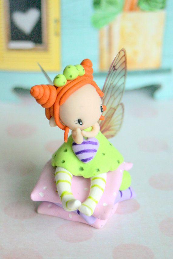 Figurine de fée pois par TheDollAndThePea sur Etsy