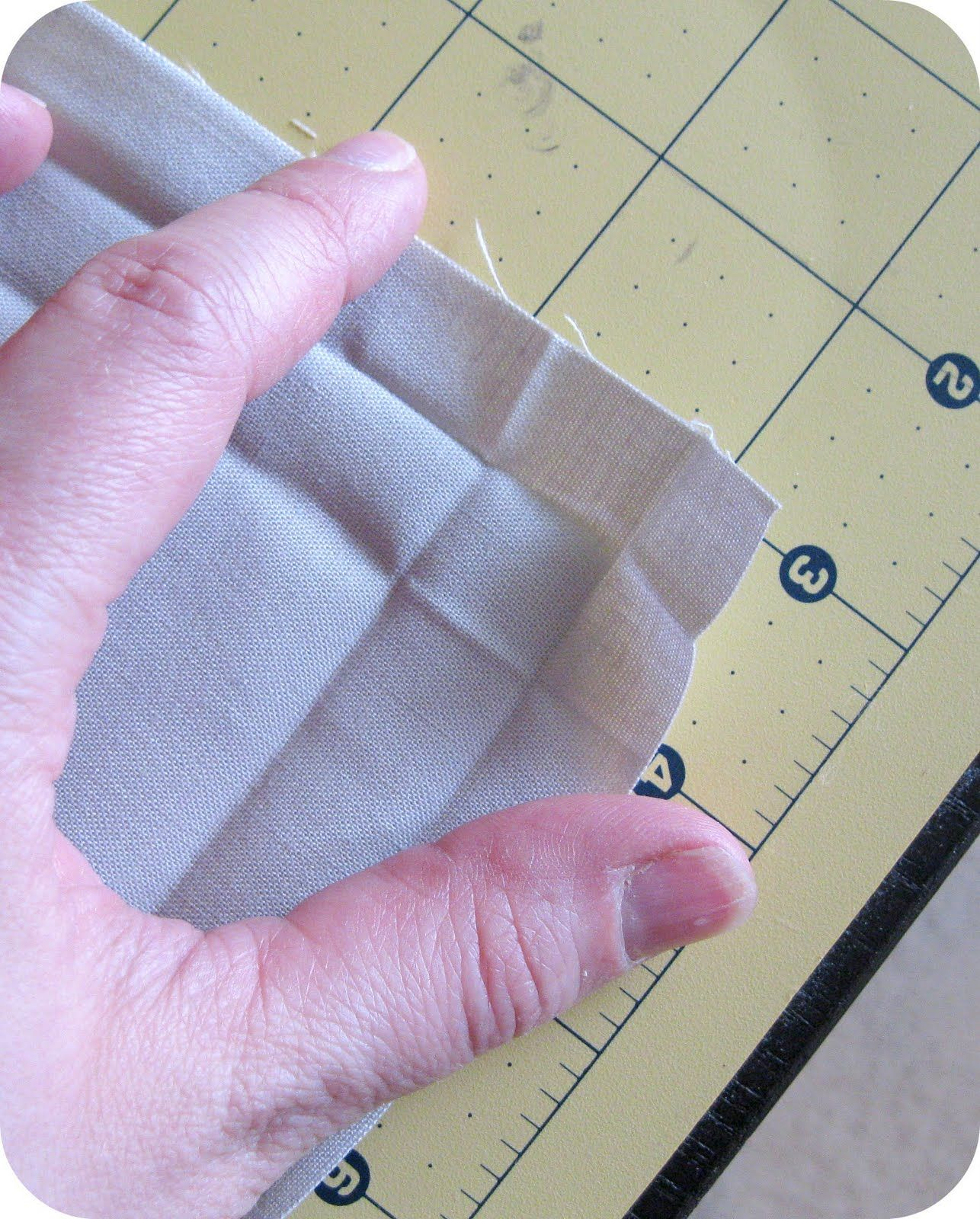 How To Sew A Mitred Corner Without A Trim In Crafts Forum