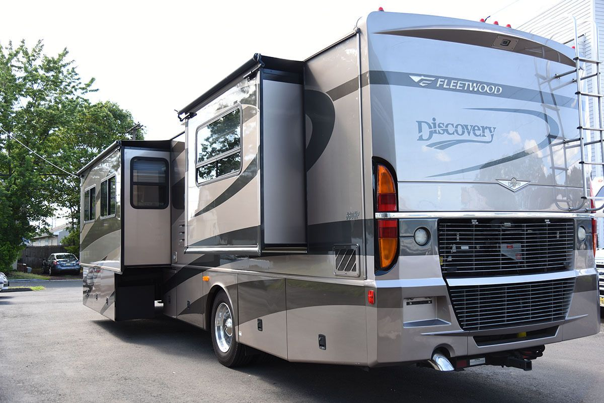 2005 Fleetwood Discovery 39s Diesel Pusher Class A Luxury Motorhome Ebay Fleetwood Discovery Camping Trailer Peterbilt Trucks