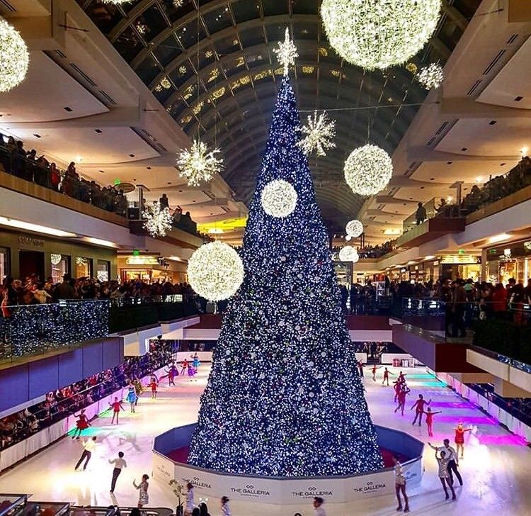 Free Activities On Christmas Day Im Houston 2020 Repost of the Christmas tree at The Galleria mall near Hotel Derek
