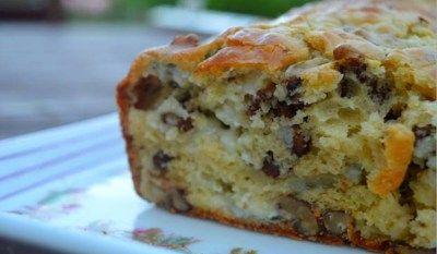 Cake aux poires, roquefort et noix