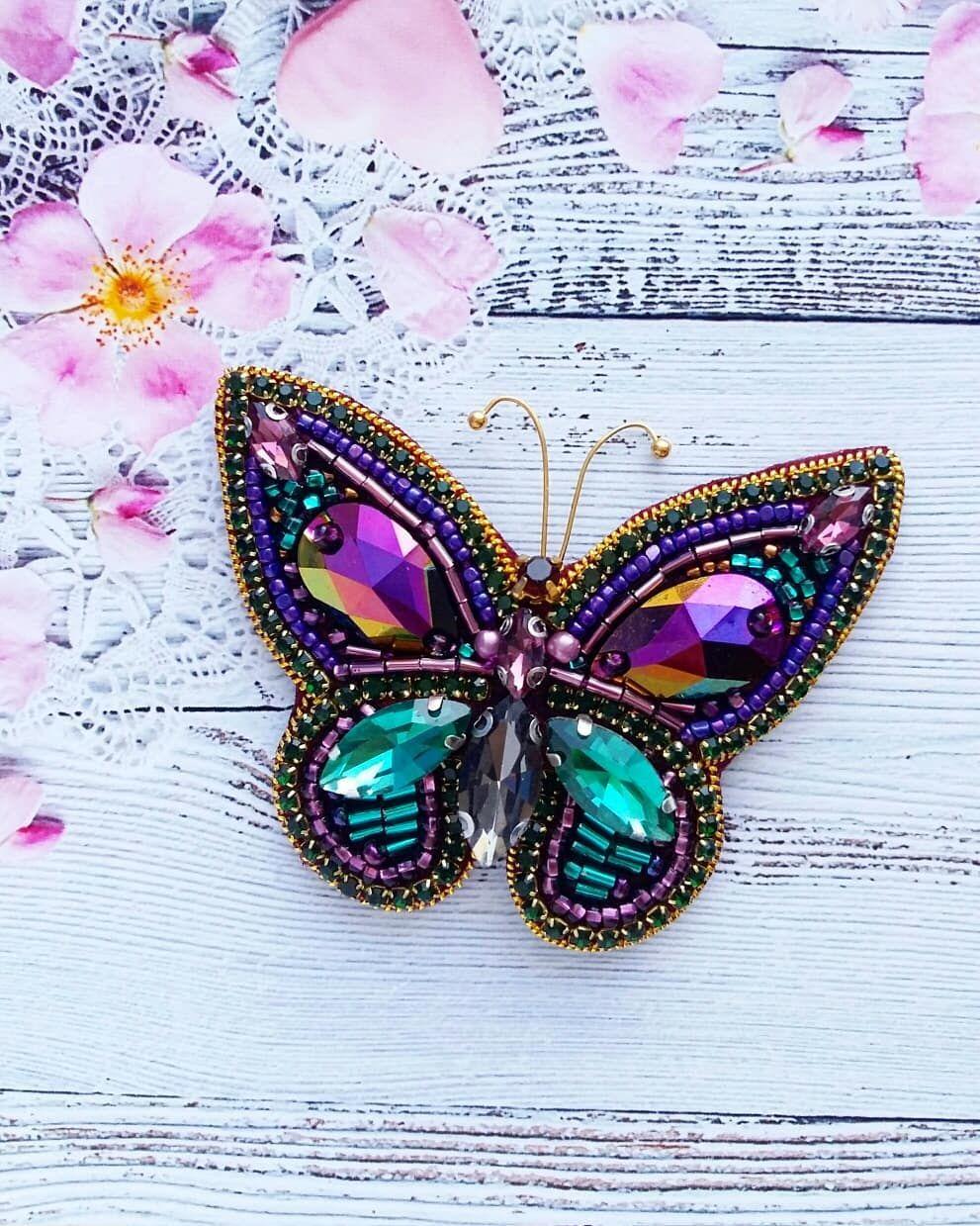 Я влюбилась в эту бабочку 😍🌼 она будто из сказки прилетела ...
