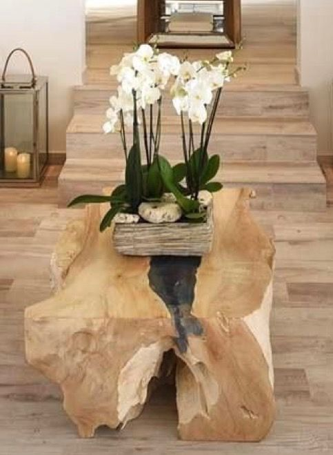 One more version of a raw wood table. Beautiful