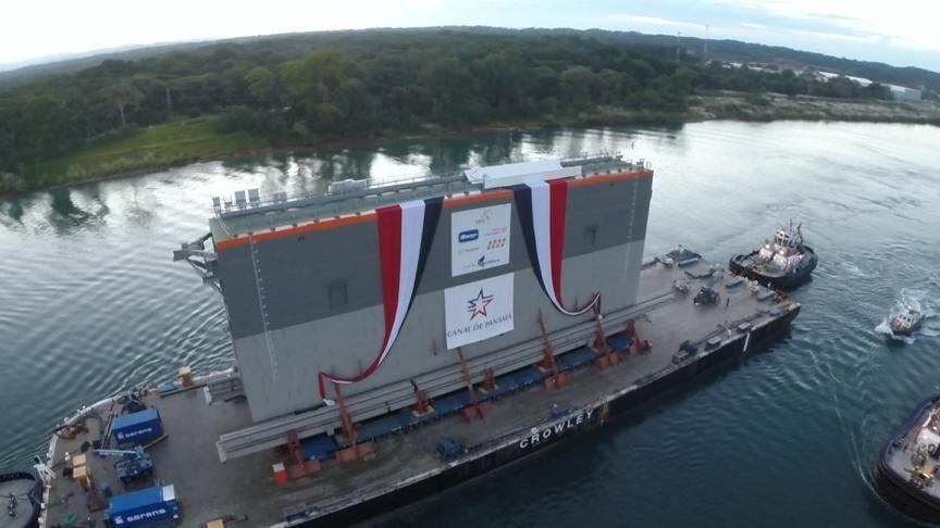 Nuevas compuertas ampliación del Canal de Panamá, llegan a la Esclusa de Miraflores en el Pacífico.