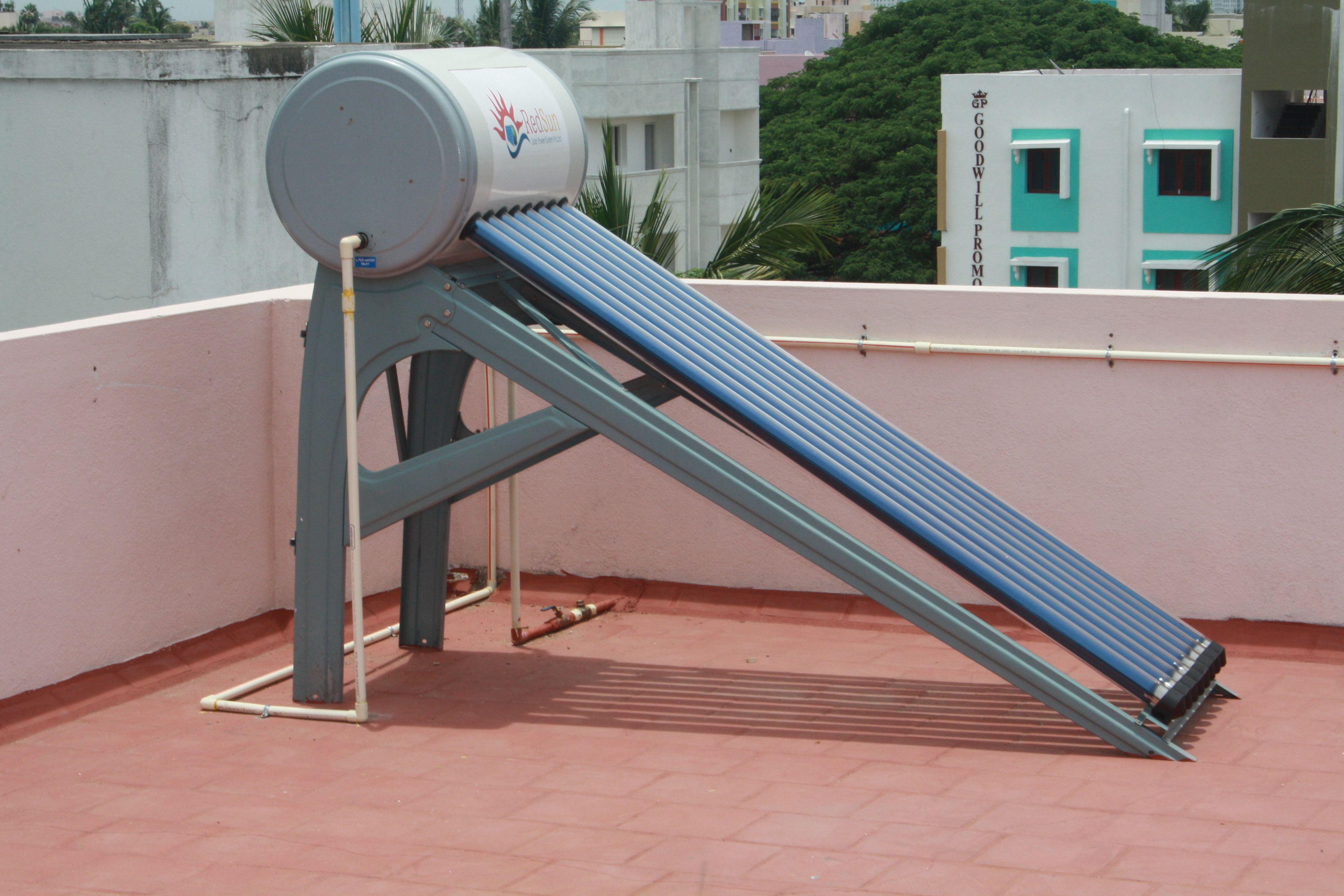 solar panel manufacturers in Chennai solar water heaters
