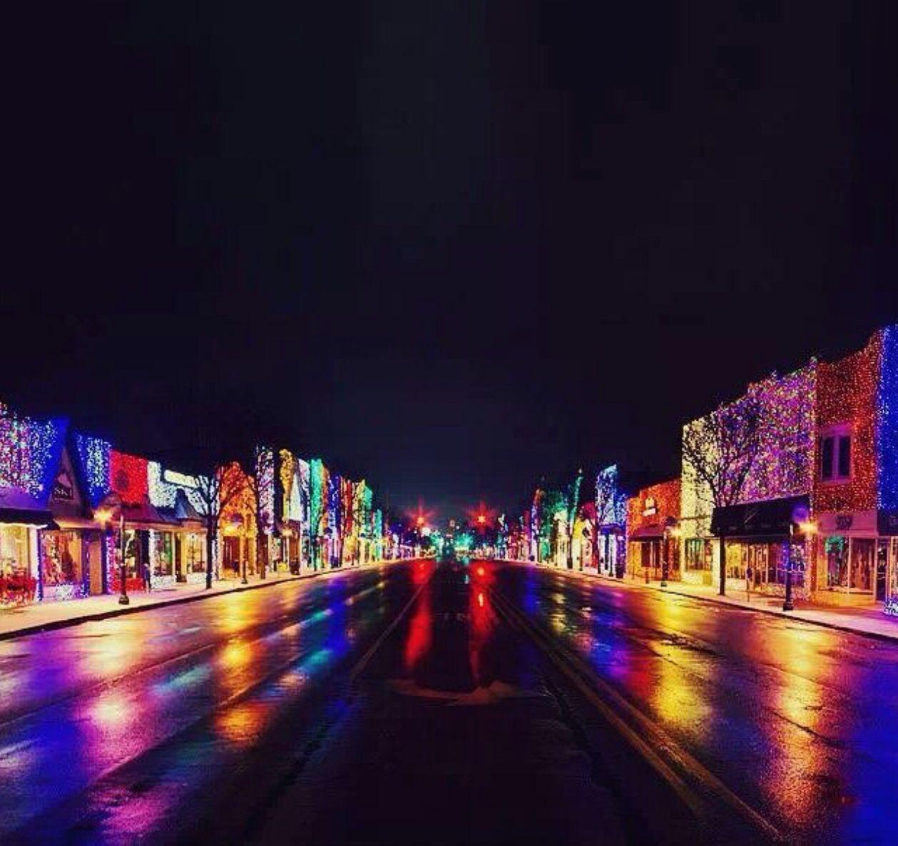 Main Street Rochester, MI Big Bright Light Show And Kris Kringle Market