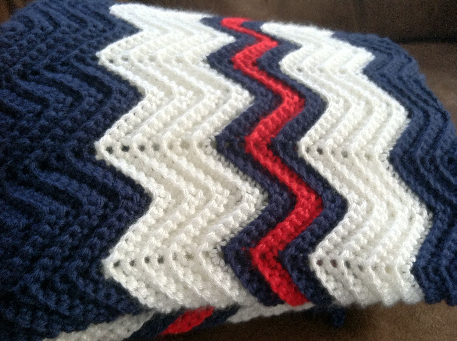 Crochet ripple afghan in navy blue white by kozyafghansbyphyllis crochet ripple afghan in navy blue white by kozyafghansbyphyllis 7500 bankloansurffo Images