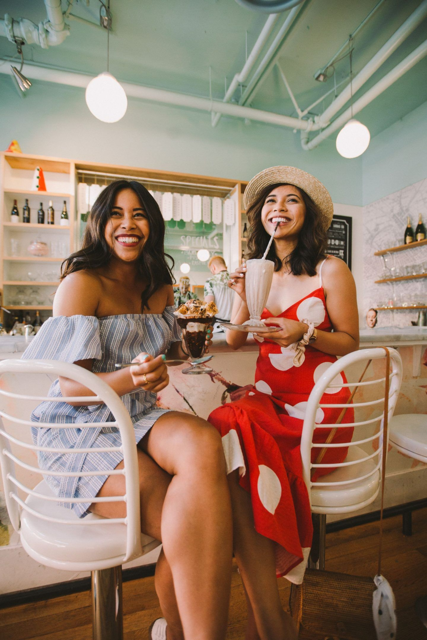13 Indoor Places In Seattle To Take Photos On A Rainy Day Seattle Photography Seattle Fashion Location Photography