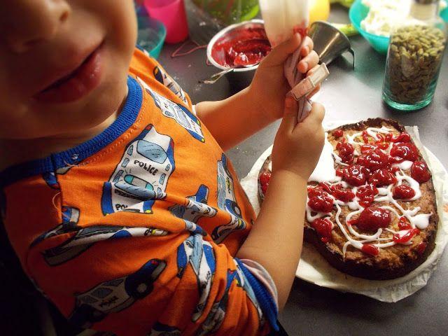 Kotoilijaleipuri: Vegan Finnish Runeberg's tart cake (the recipe both in English and in Finnish) / runebergin torttu kakku