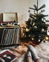So hübsch! #foundonweheartit #happyholidays #christmas #holidays #winter#design #model #dress #shoes #heels #styles #outfit #purse #jewelry #shopping #glam #love #amazing #style #swag