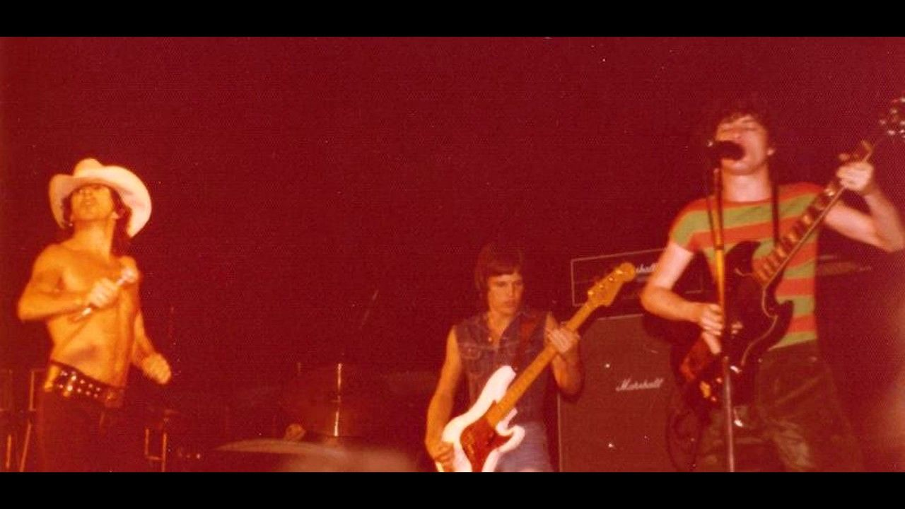 Acdc 19750816 launceston shake rattle roll