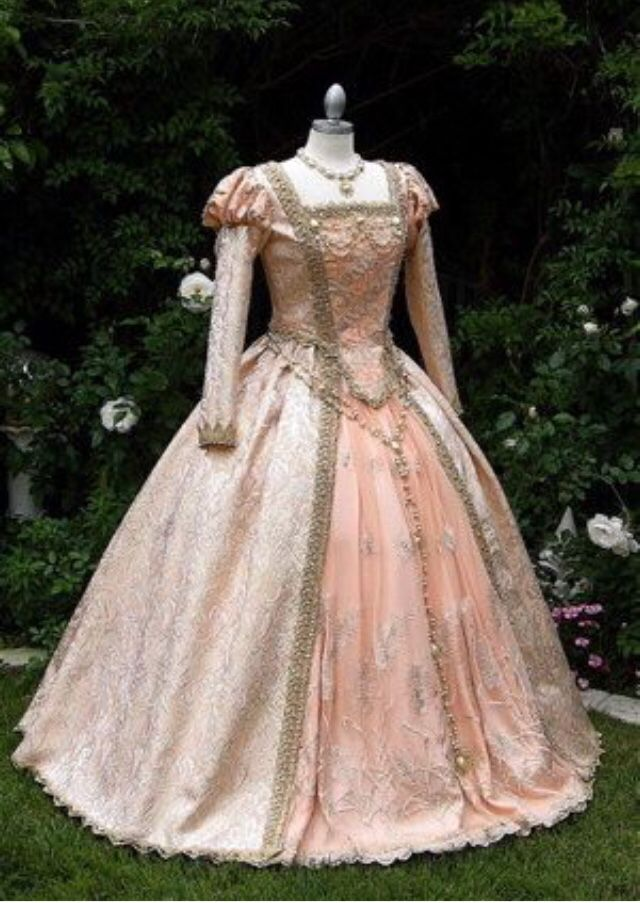 A popular dress as it is Portia's favorite dress in the Merchant of Venice. Perfect for special occasion