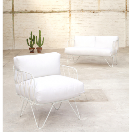 awesome fauteuil honor blanc par annick lestrohan serax dcoration intrieure et meubles design by. Black Bedroom Furniture Sets. Home Design Ideas