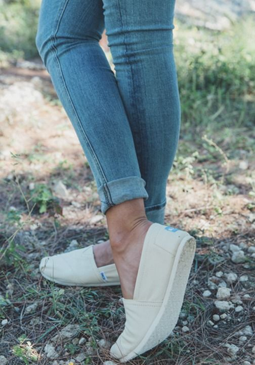 62e31e0dd1d33 Who doesn t love a comfortable pair of classics  Shop TOMS new looks for  spring today.