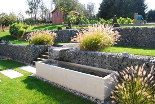 Mit Gabionen Und Boschungssteinen Garten Landschaftsbau Garten Garten Pflanzen
