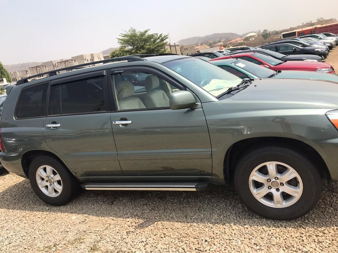 Toyota Highlander 2005 For Sell At Buy At Very Affordable Price Abuja Nigeria In 2020 Sell Car Mercedes Benz E350 Toyota Highlander