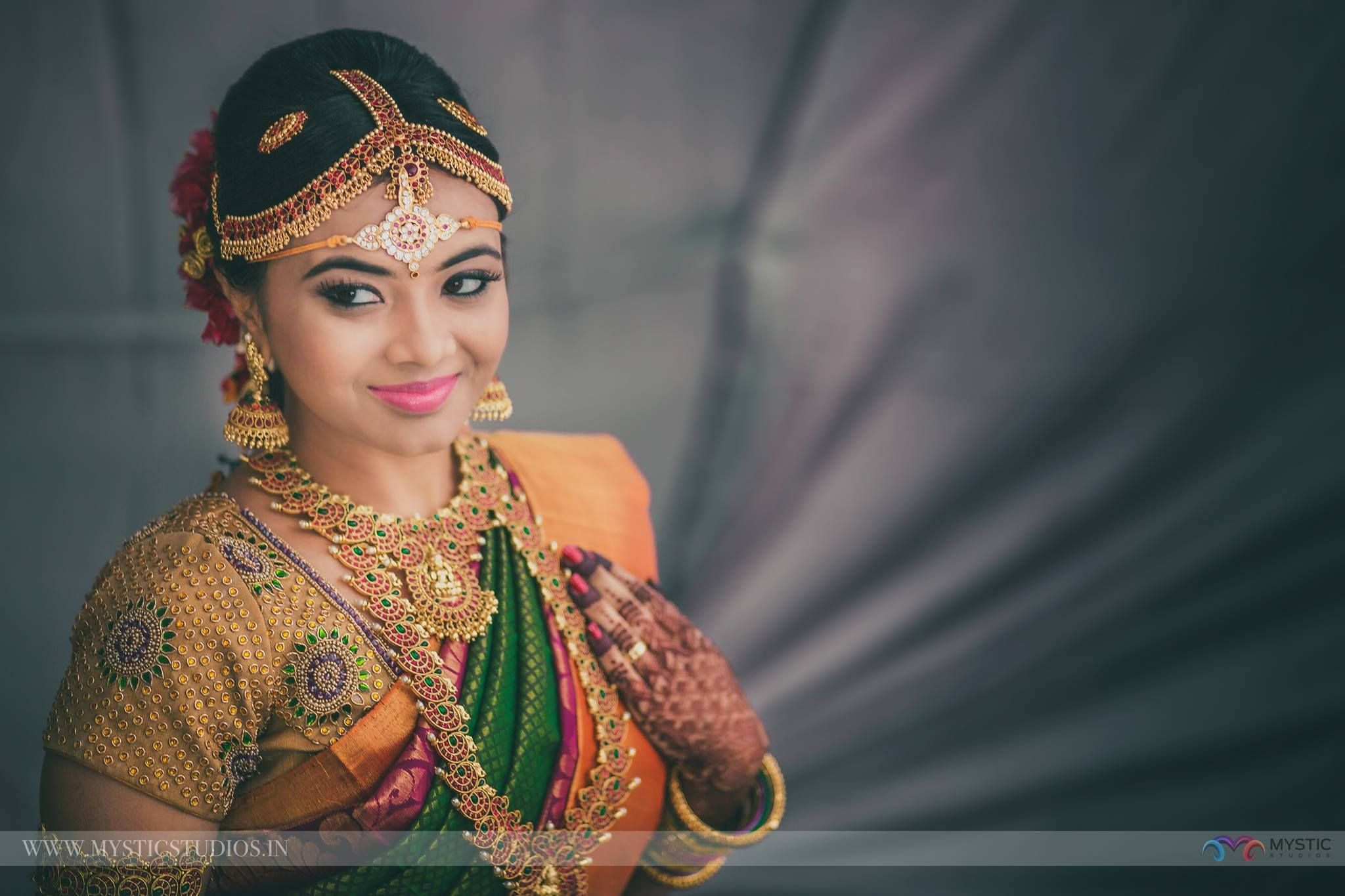 we are the bridal jewellery sets rental in chennai and also