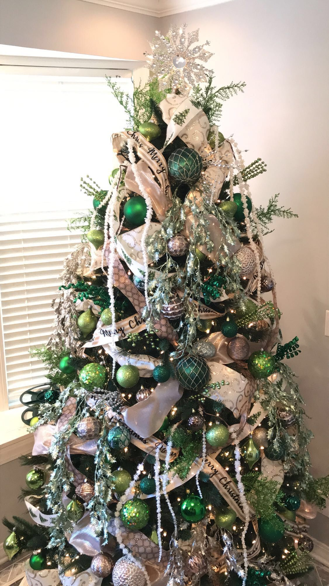 2017 Christmas Tree In Gold Emerald Green Silver Bronze White Garland And Hints Of Copper