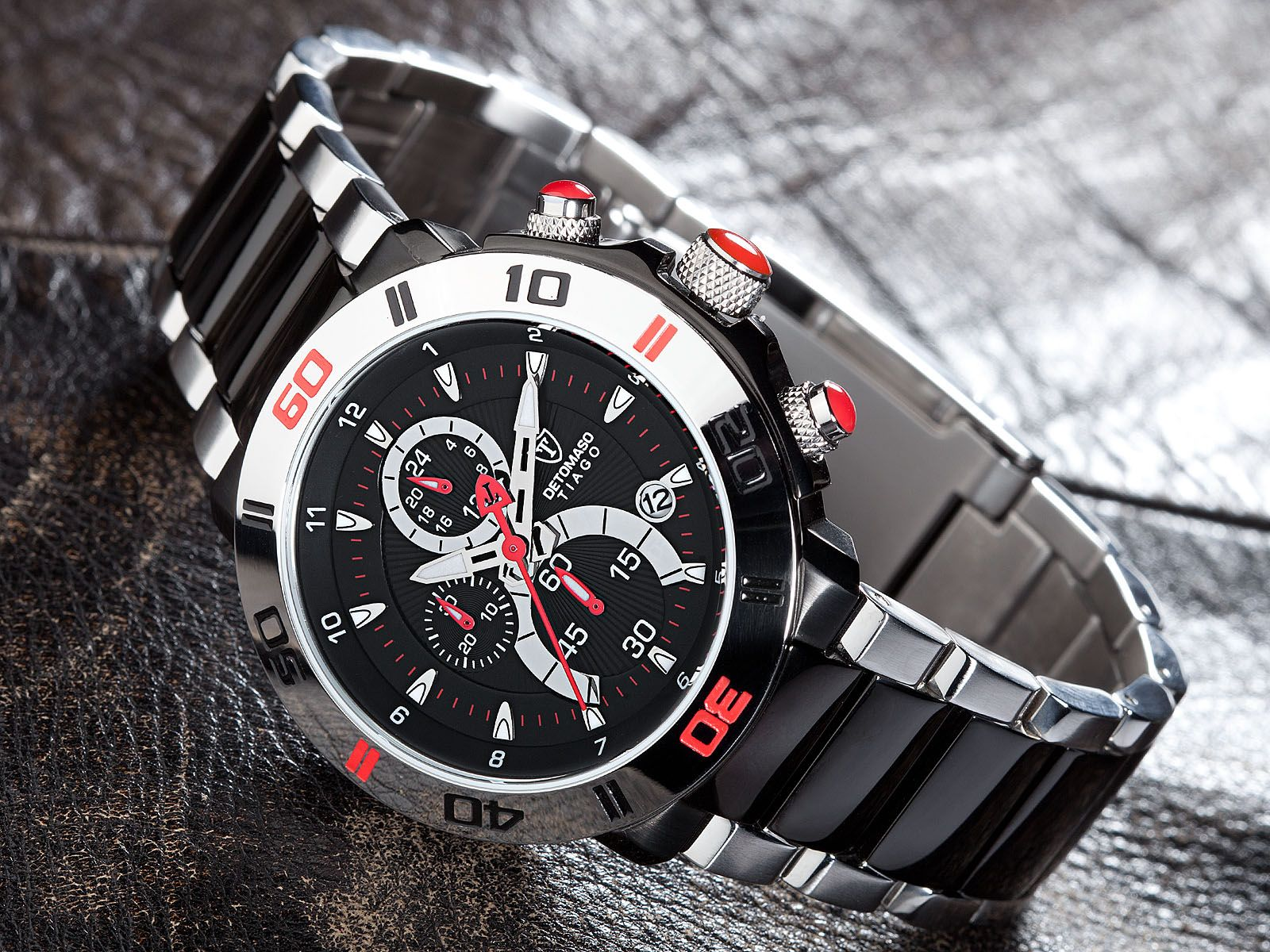 Classic with a sporty tune: THe TIAGO Chronograph. By DETOMASO