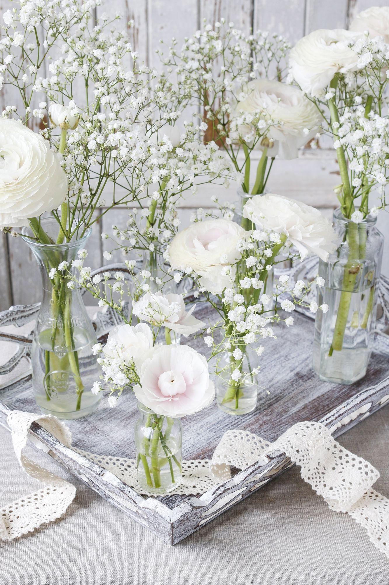 Lovely White Table Via Shuttershock Komunia W 2019