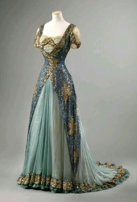 195a9601936b 1900 s dress.
