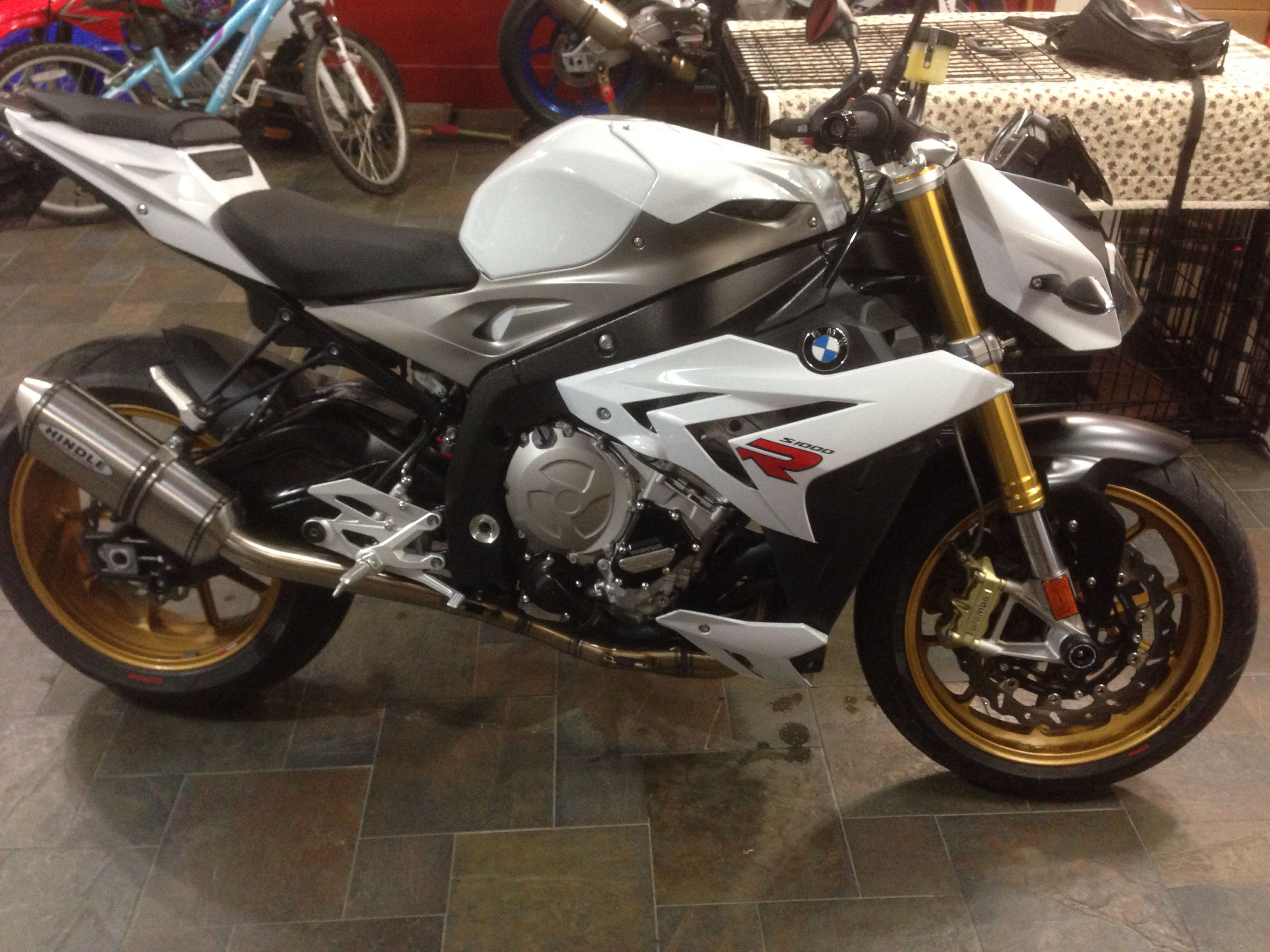 bmw s1000r custom hindle exhaust motos pinterest bmw. Black Bedroom Furniture Sets. Home Design Ideas